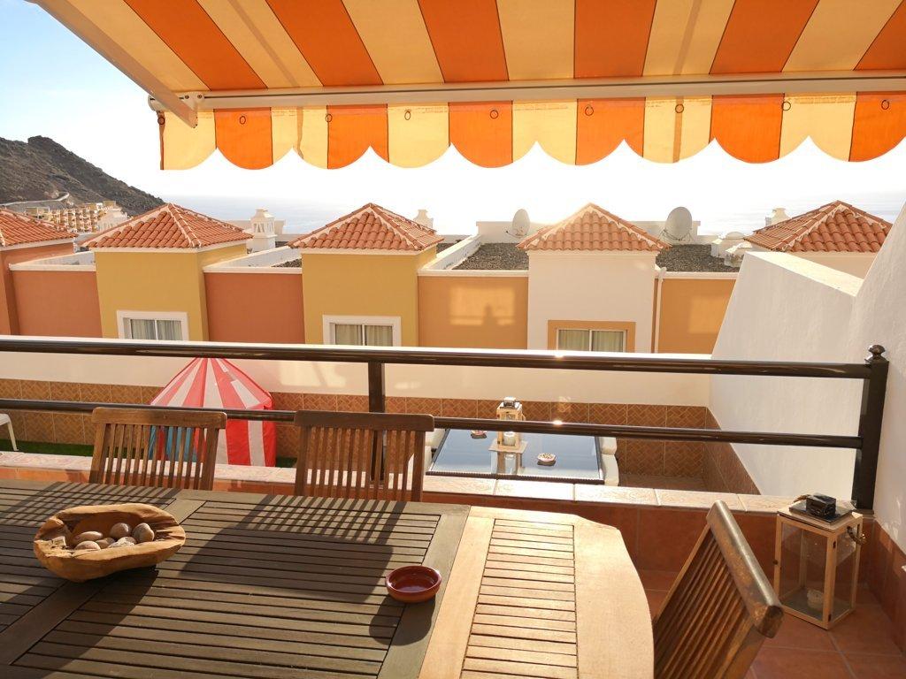 Tenerife, Costa Adeje, Torviscas Alto óceánra néző ház
